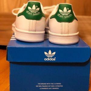 NIB Women's Adidas Stan Smith's size 10